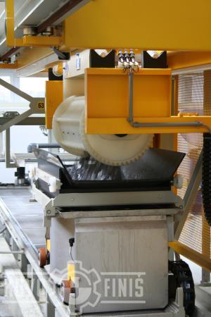 Wet barrel unloading into a cart