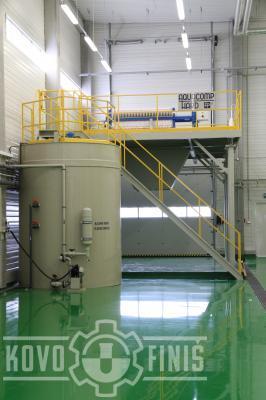 Kalolis se zásobní nádrží na kalovou vodu